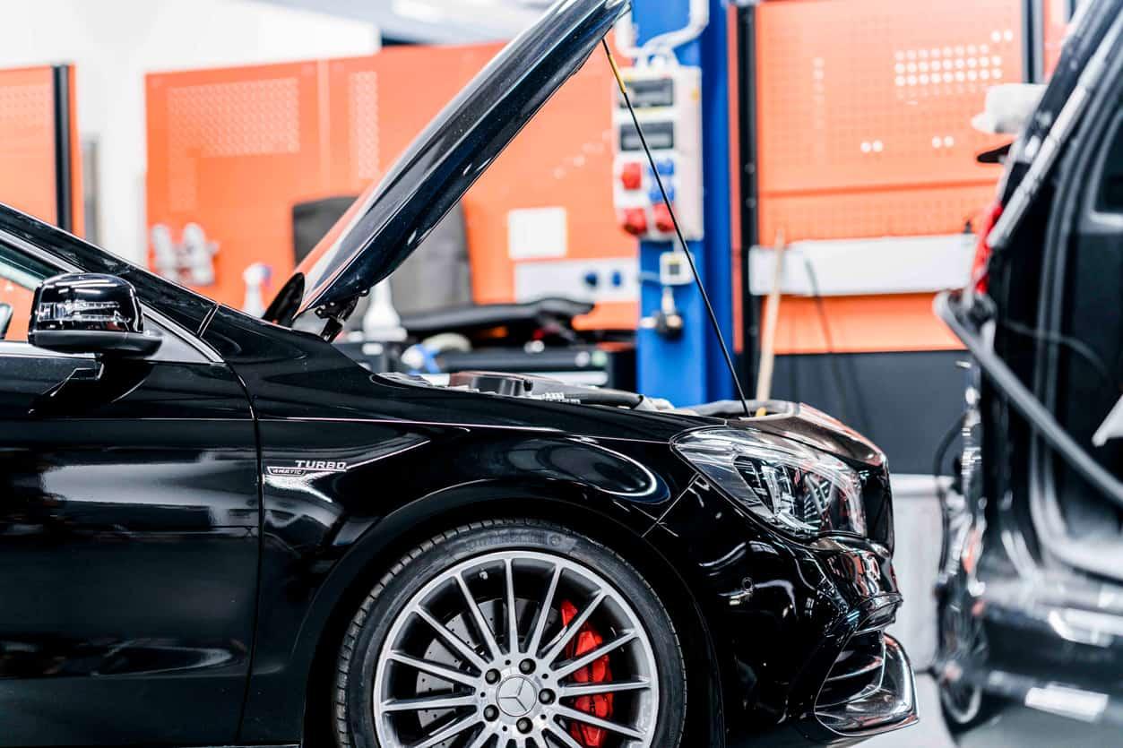 KFZ-Werkstatt BMW Fahrzeug